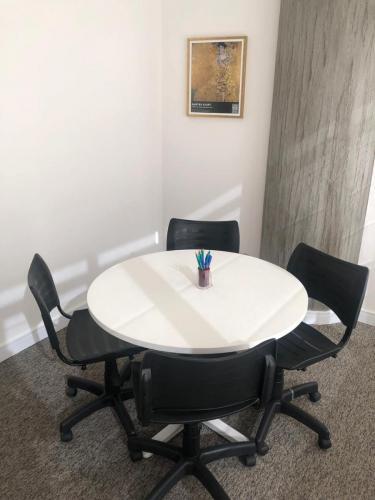 Salas de sessões e reuniões